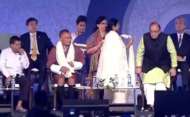 Arun Jaitley And Arvind Kejriwal, At War Over Cricket Corruption, Share Stage