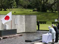 Japan Emperor Akihito Honors Japanese War Dead In Philippines