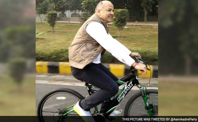 Even-Numbered Cars Roll On Day 2; AAP's Manish Sisodia Cycles To Office