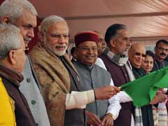 PM Narendra Modi Flags Off Mahamana Express From Varanasi