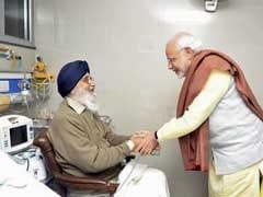 PM Narendra Modi Meets Punjab Chief Minister Parkash Singh Badal In Hospital
