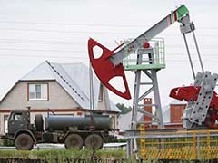 Crude Oil Nudges Up After Ninth Weekly Stock Drawdown In US
