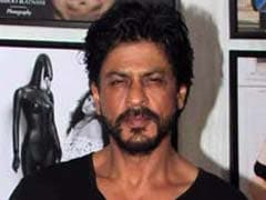 Actor Shah Rukh Khan's Car Targeted Allegedly By VHP Activists In Gujarat