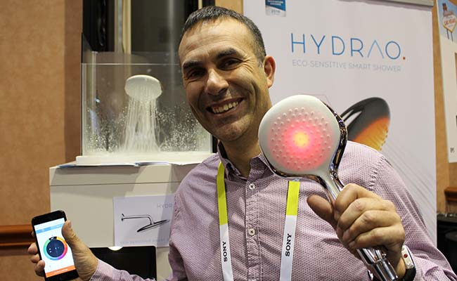 Smart Showerhead Aims to Save Precious Water