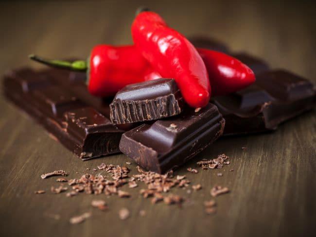 जानें कैसा स्वाद रखती है मार्किट में मिलने वाली मसालेदार चॉकलेट