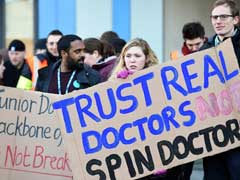 Doctors Stage Second Strike In English Hospitals
