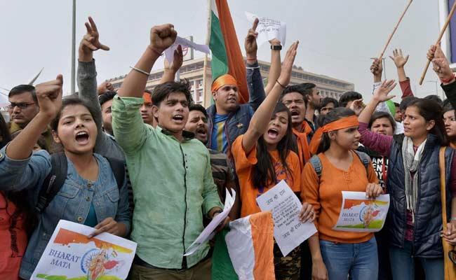 JNU मैदान-ए-जंग : 'राष्ट्र विरोधी' गतिविधियों से पूर्व सैनिक आहत, बोले- ऐसे ही चला तो डिग्री लौटा देंगे