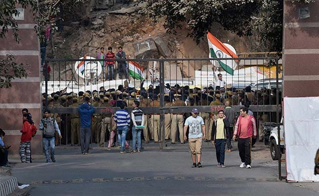 New Delhi police arrest 2 students in sedition case