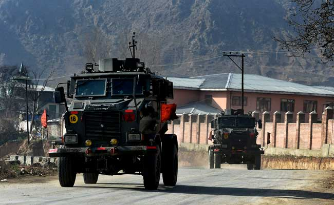 2 soldiers, 4 ultras killed in Kashmir