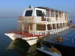 A Cabinet Meeting On A Boat For Madhya Pradesh Ministers
