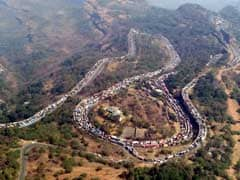 Oil Leakage From Tanker Disrupts Traffic Along Mumbai-Pune Expressway