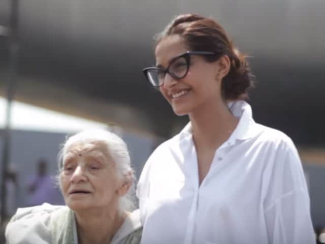 What Neerja Bhanot's Mother Told Sonam When They Met