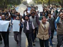 press-council-of-india-protests_240x180_41455643553.jpg
