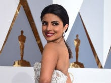 Oscars: Priyanka Chopra's Red Carpet Report Card, Marked by Twitter