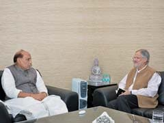 Delhi Lieutenant Governor Najeeb Jung Briefs Rajnath Singh On Municipal Strike