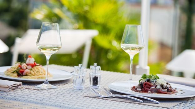 The Smart Guide for Healthy Eating While Dining Out