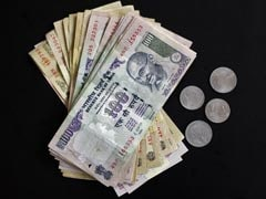 Rupee Slips From 1 Week High, Down 13 Paise To 67.16