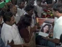 At Siachen Martyr's Funeral, Minister Displays Jayalalithaa's Photo On Coffin