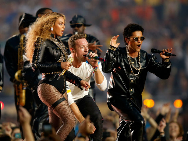 Coldplay, Beyonce's Stunning Performance at Super Bowl 2016