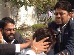 Lawyer Yashpal Singh Who Attacked Journalists At JNU Hearing Arrested, Gets Bail