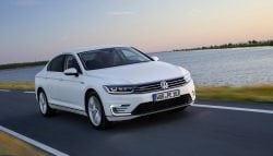Auto Expo 2016: Volkswagen Unveils Plug-in Hybrid Passat GTE