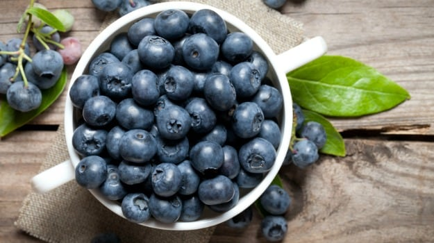 7 Incredible Blueberry Benefits: From Being a Powerful Antioxidant to Regulating Blood Sugar