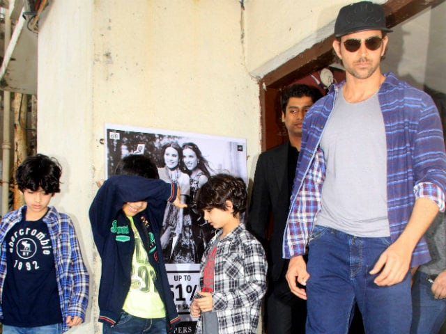 Hrithik's Birthday Message to Son Hrehaan Features All the Roshans