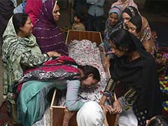Pakistan Detains Hundreds As Militants Taunt PM Over Easter Blast