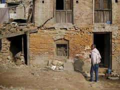 With Will And Strong Backs, A Quake-Hit Nepal Village Rebuilds