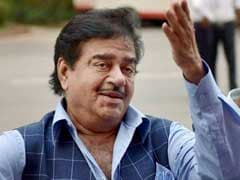 After Bumpy Ride On Jharkhand Highway, Shatrughan Sinha Takes Chopper