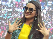 Sonakshi Sinha Enters Guinness World Records For Nail Painting