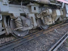 Train Derails In Washington DC, Leaks Hazardous Chemical