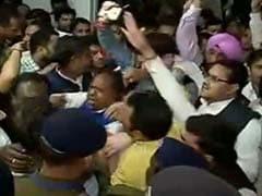 उत्तराखंड : बीजेपी ने किया सरकार बनाने का दावा, बहुगुणा ने मांगा हरीश रावत का इस्तीफा