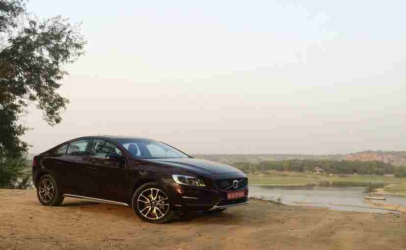 exclusive volvo s60 cross country review ndtv carandbike. Black Bedroom Furniture Sets. Home Design Ideas