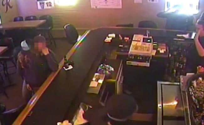 This Couple Was So Into Each Other They Kissed Through An Armed Robbery