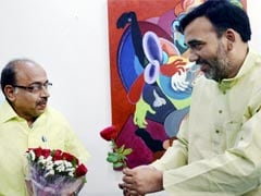 Unmoved By AAP's Rose, BJP's Vijay Goel Breaks Odd-Even Rule As Promised