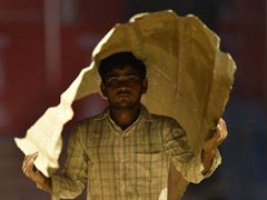 Heat Wave Sweeps India, Mercury Soars Above Average