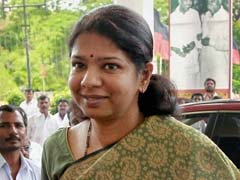 Karunanidhi's Daughter Kanimozhi Attacks AIADMK Government