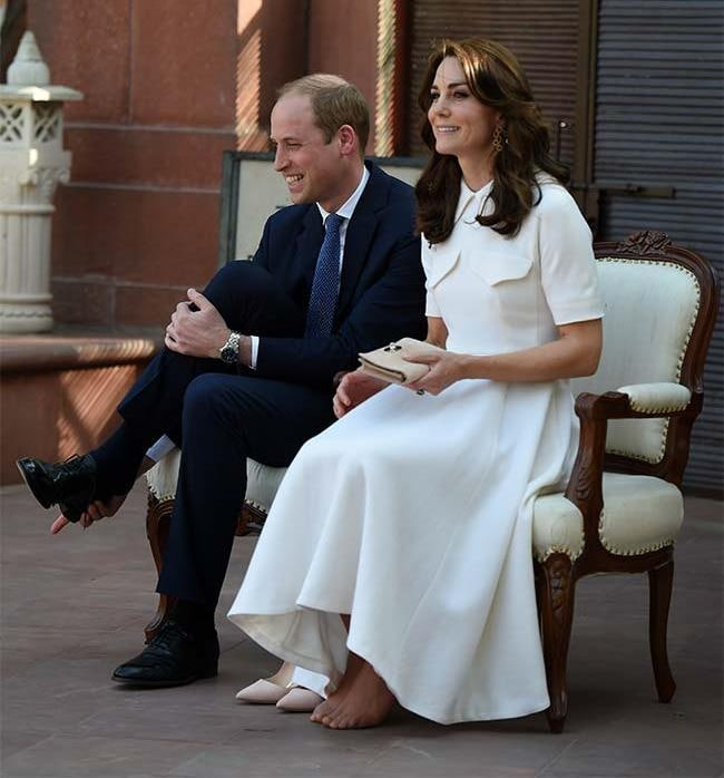 From Kate's Hairstyles To Her Bare Feet, India Tour Is ... Kate Middleton Bunions