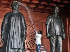 Mayawati, Of Life-size Statues Fame, Swears Off Memorials, Pledges 'Vikas'