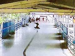 Mumbai: Man Hacks Rival, Waits For Him To Die, Commuters Watch