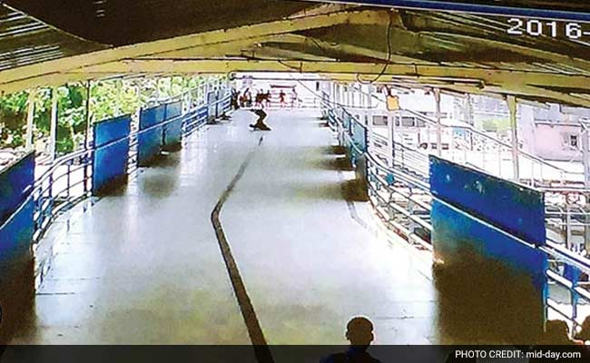 At Mumbai Station, CCTV Records A Murder, Commuters Stunned