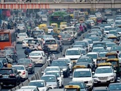 Dust Storm, Rains Cause Heavy Traffic In Delhi