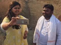 Former Congress Minister Backs Pankaja Munde Over 'Drought Selfie'