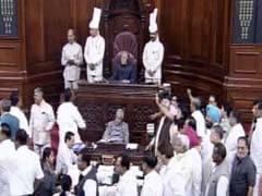 संसद : लोकसभा में उठे कई मुद्दे, राज्यसभा में अगस्तावेस्टलैंड पर हंगामा