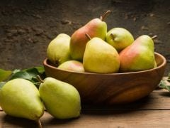 Eat Pears Regularly To Improve BP, Heart Functions