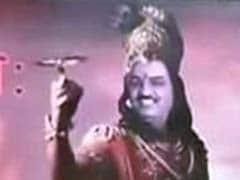 बीजेपी के पोस्टर पर विवाद : केशव प्रसाद मौर्य बने श्रीकृष्ण और विपक्षी नेता बने कौरव