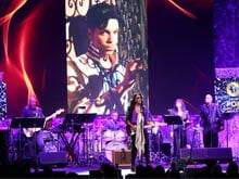 Prince Had Opioid Medication With Him When He Died: Reports