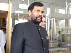 Union Minister Ram Vilas Paswan Complains Of Breathlessness, Admitted To ICU