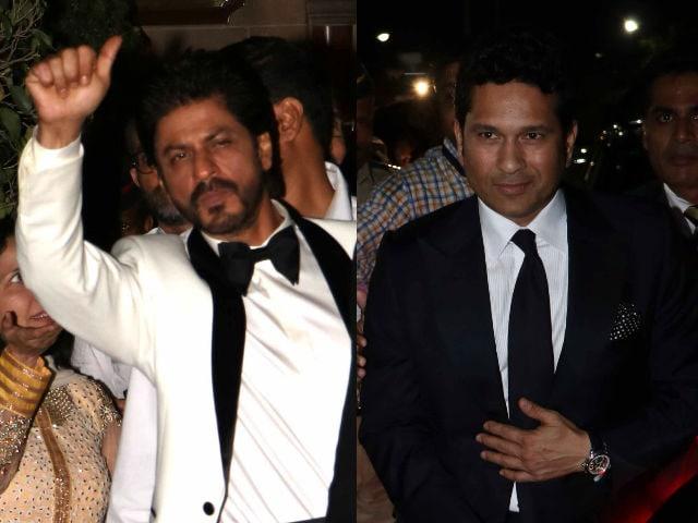 Shah Rukh Wants to Watch Sachin's Film. 'Par Pehle Fan Ki Bari'